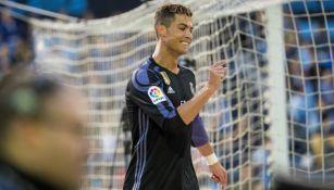 Cristiano Ronaldo se lamenta en un partido con el Madrid