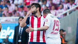 Pizarro se agarra la cara tras agresión de Sambueza