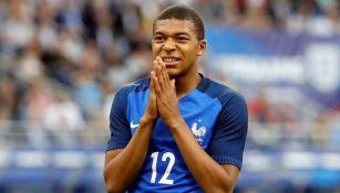 Kylian Mbappe en lamento en un partido de Francia
