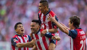José Juan Vázquez festeja un gol con las Chivas en la Final del C2017