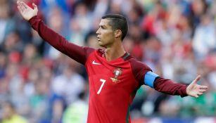 Cristiano Ronaldo reclama en el partido frente a México