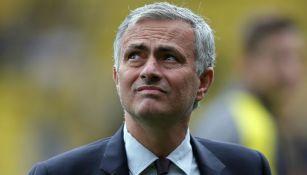 Jose Mourinho en un partido del Manchester United
