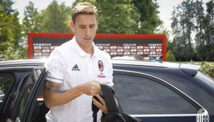 Lucas Biglia, a su llegada a las instalaciones del Milan