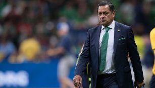 Pompilio Páez en el partido contra Curazao