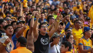 Afición de Tigres durante el juego de la J2 contra Santos
