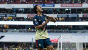 Cecilio celebra el gol del triunfo en el juego vs Pumas