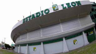 Fachada del Estadio León