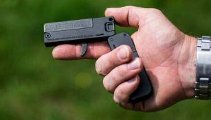 La pistola mide menos que una tarjeta de crédito