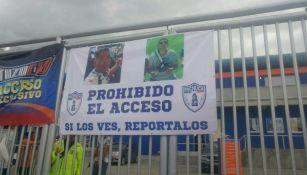 Las pancartas con las fotos de los agresores de Miguel Pontón