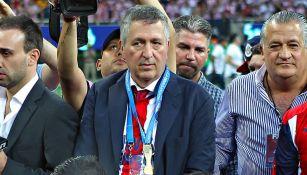 Jorge Vergara tras un partido de Chivas