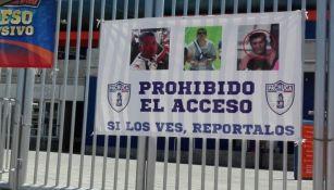 Nueva manta en las afueras del Estadio Hidalgo
