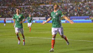 Chicharito festeja gol contra Trinidad y Tobago
