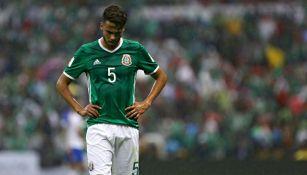 Diego Reyes en pleno partido contra la selección de Estados Unidos