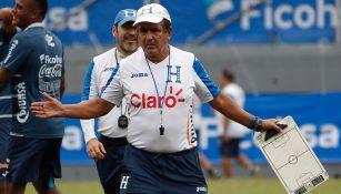 Jorge Luis Pinto dirige la práctica de Honduras