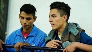 Erick Camacho y su hermano, durante un partido de La Máquina
