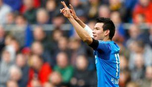 Lozano celebra un gol con el PSV