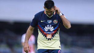 Chino Romero se lamenta en un juego con las Águilas