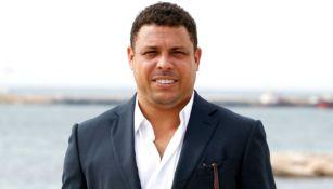 Ronaldo Nazario sonríe para la cámara