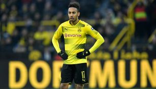 Aubameyang observa el partido del Dortmund