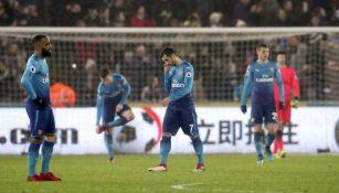 Mkhitaryan se lamenta tras la derrota frente al Swansea