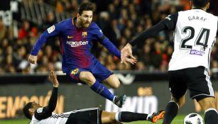 Messi esquiva barrida en Copa del Rey