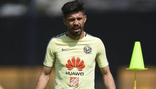 Oribe Peralta, durante el entrenamiento con el América