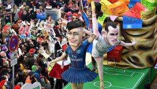 Neymar y Bale sobre carros alegóricos del carnaval