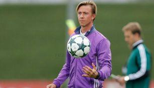 Guti durante un entrenamiento con Real Madrid