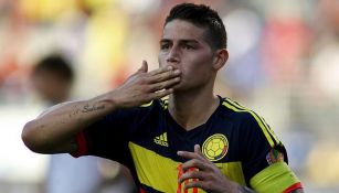 James Rodríguez celebra un gol con Colombia