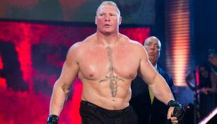 Brock Lesnar hace su entrada en la WWE