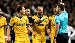 Juventus le reclama al árbitro en el juego contra Real Madrid
