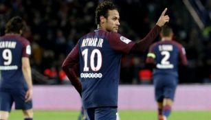 Neymar celebra un tanto con el PSG