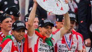 Lozano levanta el título de la Eredivisie con el PSV