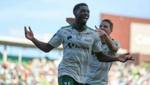 Djaniny Tavares, en festejo de gol en el juego entre Santos y Tuzos del C2018