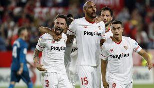 Miguel Layún celebra su gol contra Real Madrid