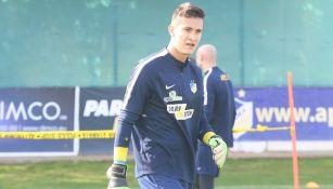 Gudiño durante un entrenamiento con el APOEL