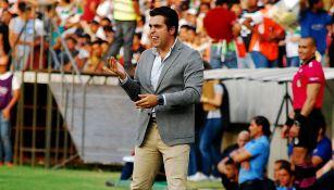 Michel Leaño dirige un encuentro del Zacatepec
