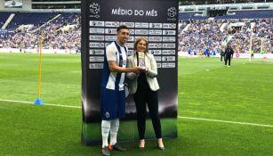 Herrera recibe su premio al mejor mediocampista de Portugal en abril