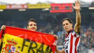 Fran Sol posa junto a la bandera de España