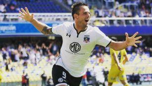Octavio Rivero celebra gol con Colo Colo