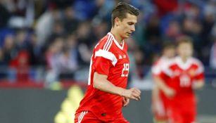 Ilya Kutepov durante un partido de Rusia