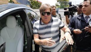 Migue Herrera a su salida de las instalaciones de Coapa