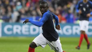 N'Golo Kanté disputa un juego con la Selección de Francia