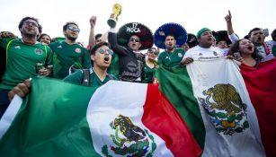Afición mexicana apoyando a la Selección