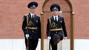 Guardias de honor en las inmediaciones del Kremlin