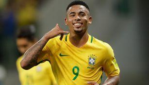 Gabriel Jesús celebra una anotación con Brasil en un amistoso