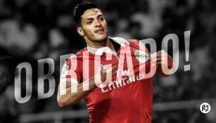 Raúl Jiménez festeja gol con el Benfica