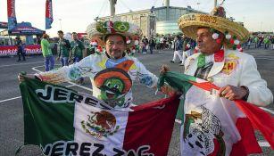Aficionados alientan en amistoso a la Selección Mexicana