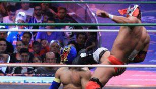 Combate de Lucha Libre Elite en la Arena México