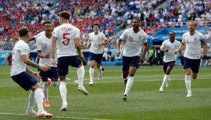 Stones celebra una de sus anotaciones contra Panamá